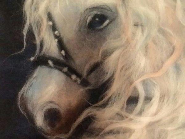 Шерстяная акварель. Картина Белый конь. Владивосток. Наталья Недовесова. Secret_wool_studio   Ярмарка Мастеров - ручная работа, handmade