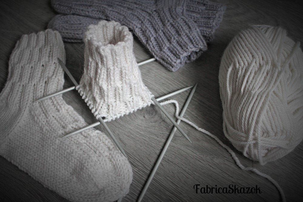 вязаные носки, осенняя мода, носочки
