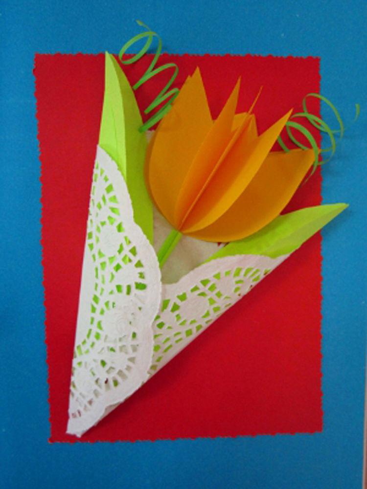 Открытка с тюльпанами к 8 марта с детьми