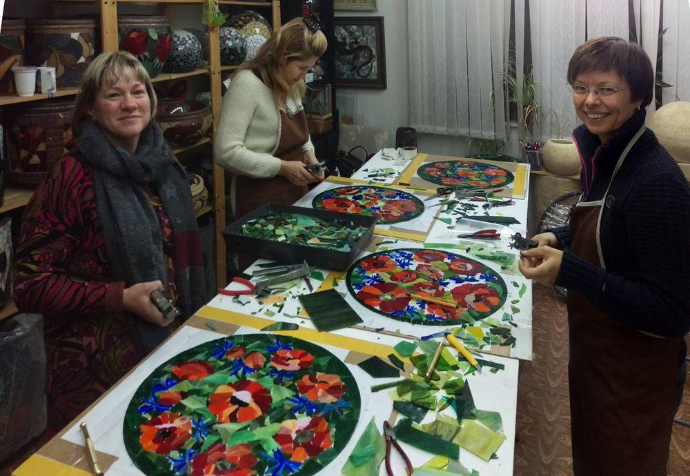 стеклянная мозаика, маки, сделать столик
