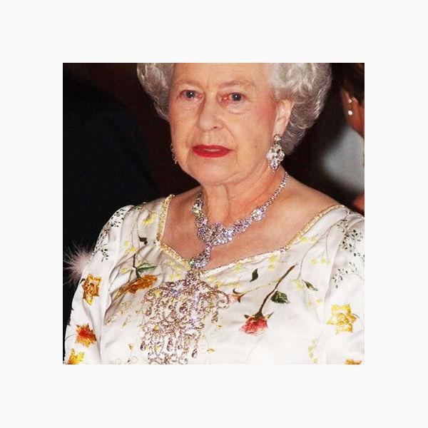 броши королевы