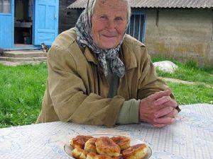 Бабушкины пирожки -хорошо, но работать -то надо!. Ярмарка Мастеров - ручная работа, handmade.