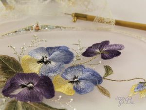 Мастер-класс по вышивке односторонней гладью. Нежный цветок «Виола» | Ярмарка Мастеров - ручная работа, handmade