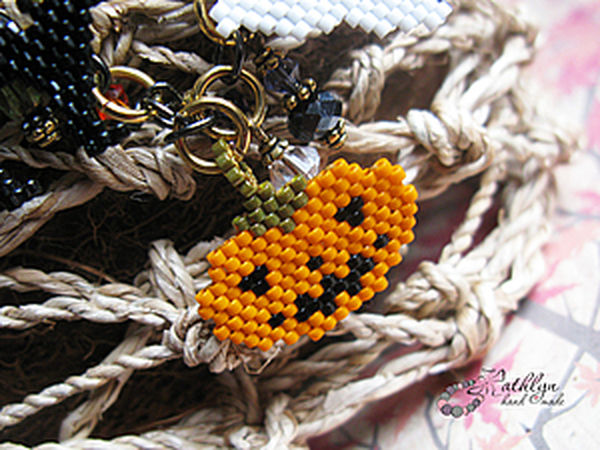 Patterns for Bead Pendants for a Halloween Bracelet | Livemaster - handmade