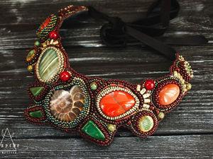 """Hawaiian Paradise """"Гавайский рай"""". Колье из бисера с камнями за 4000 р. Вышивка бисером коричневый яшма агат готовая работа. Ярмарка Мастеров - ручная работа, handmade."""