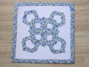 «Как сохранить снежинку»: декоративная салфетка по мотивам гавайской вышивки. Ярмарка Мастеров - ручная работа, handmade.