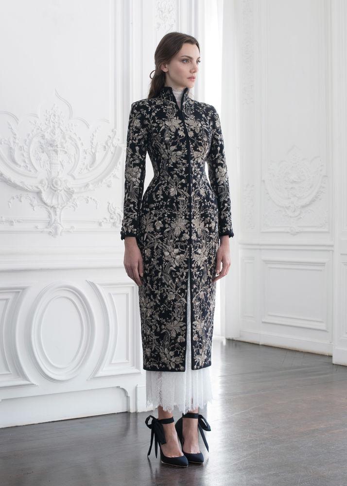 Стильные пальто и жакеты с вышивкой из последней коллекции Paolo Sebastian 2018-2019