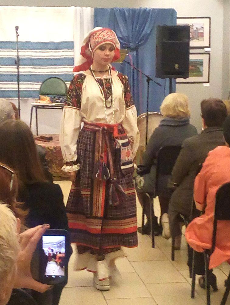 русский костюм, показ мод