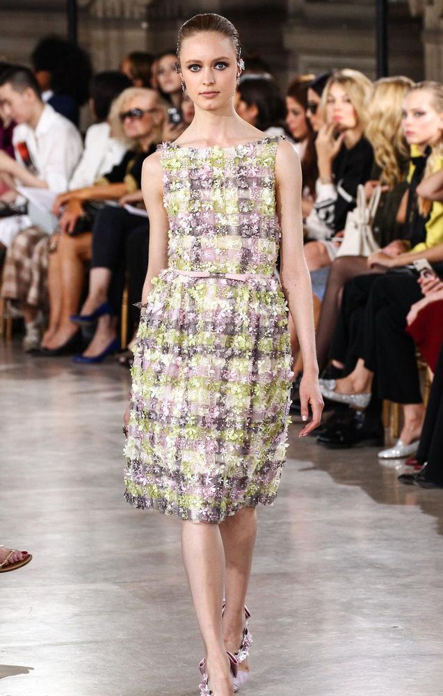 Процесс создания ткани для нарядов Couture Fall 2016 от Georges Hobeika