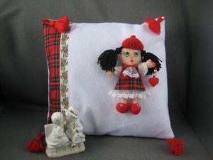 """Скидка 15% на """"Подушку-игрушку со съёмной куклой Милочкой"""". Ярмарка Мастеров - ручная работа, handmade."""