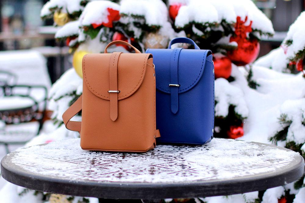 новинки, новые работы, рюкзак из натуральной кожи, синий цветок, коричневый кожаный рюкзак