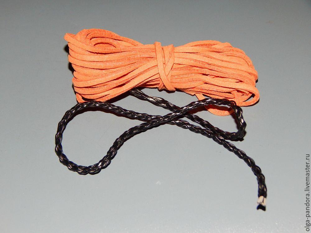 браслет со шнурами