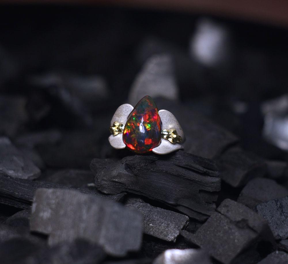 черный опал, золотое кольцо