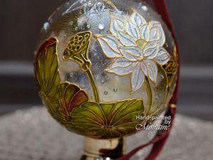 Стеклянный елочный шар