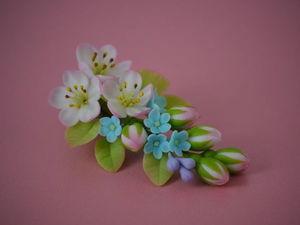 Цветочных украшалочек много не бывает. Ярмарка Мастеров - ручная работа, handmade.