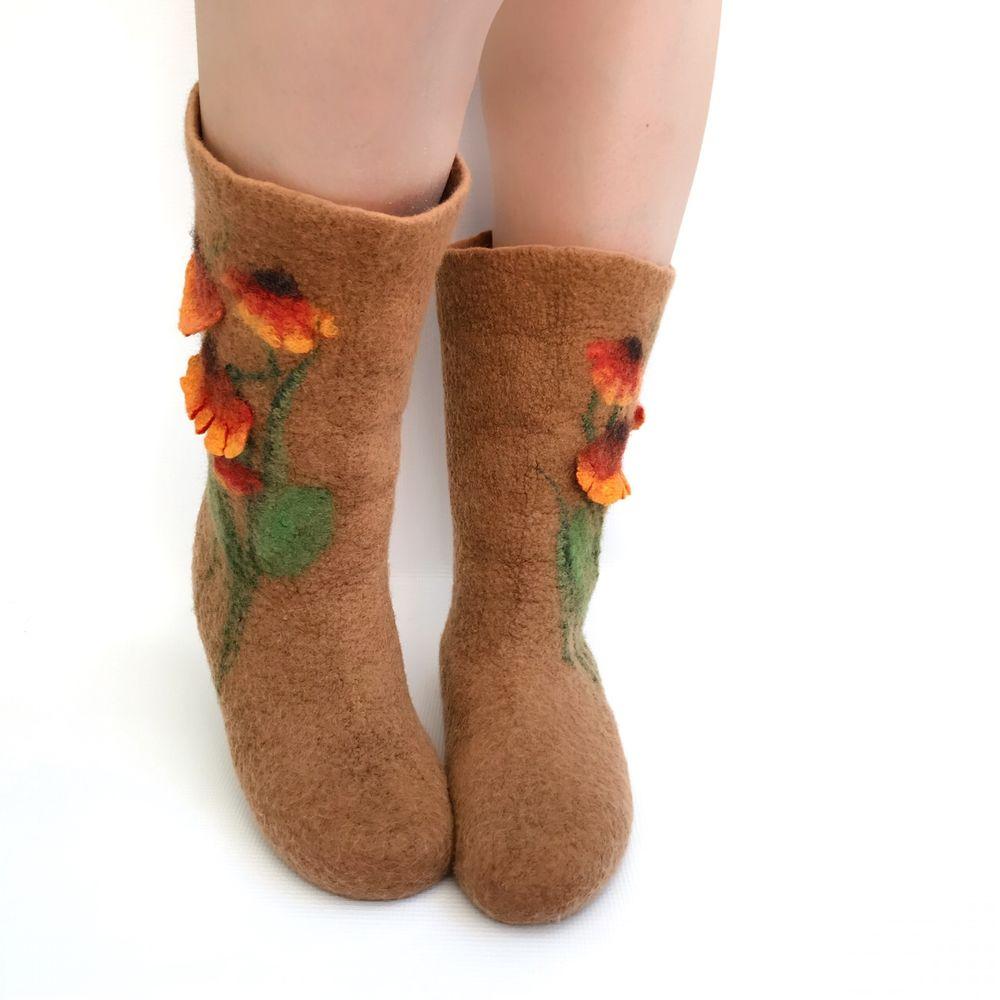 Мастер-класс по мокрому валянию  «Носочки с цветочным декором», фото № 11