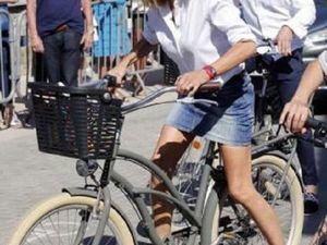 Девушки на велосипеде в истории). Ярмарка Мастеров - ручная работа, handmade.