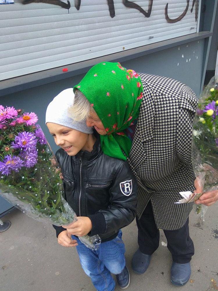 мама и малыш, воспитание, цветы в подарок, подарок женщине, заметки