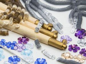 Пайетки 3, 4 мм, фигурные пайетки и крючки для вышивки. Ярмарка Мастеров - ручная работа, handmade.