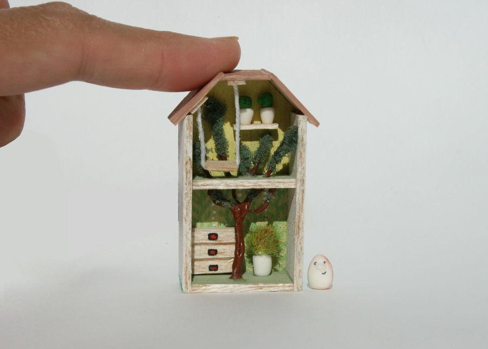 кукольный домик, на подоконник