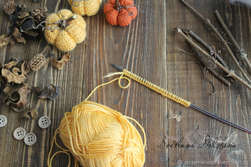 Knitting a Sweet Pumpkin for Halloween Home Decor in 30 Minutes, фото № 2