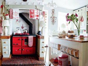 Шебби-Винтаж на кухне с красными акцентами. Ярмарка Мастеров - ручная работа, handmade.