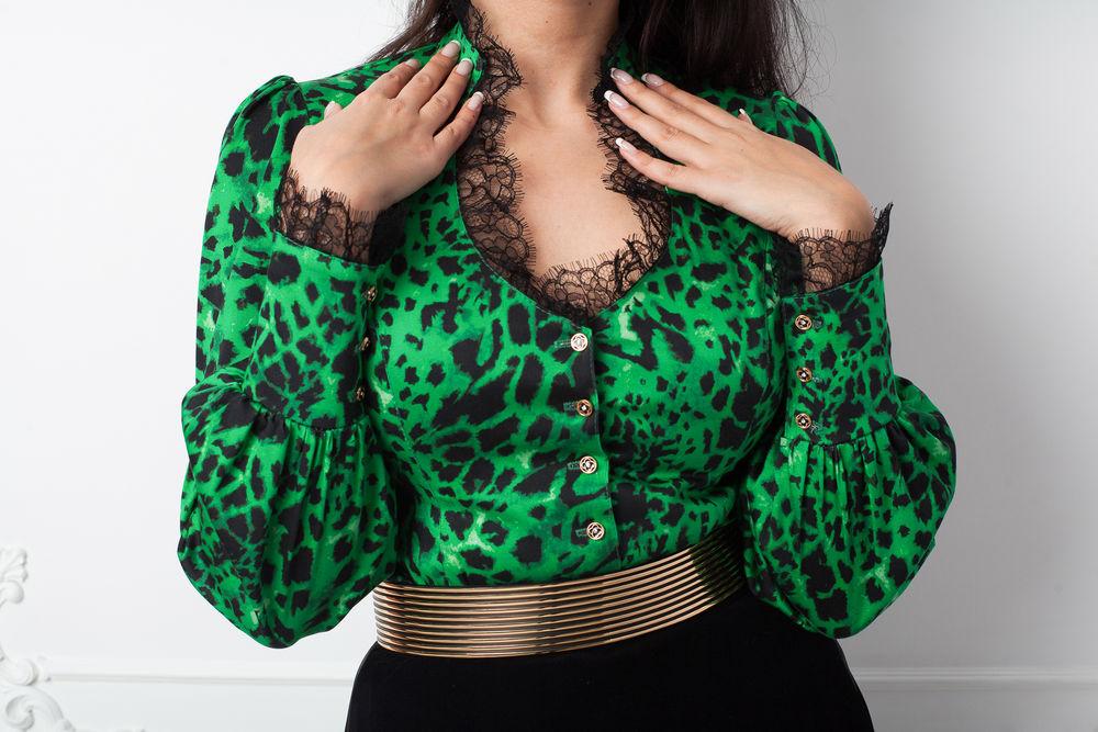 радость, красивая одежда, блуза