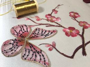 Вышивка на заказ: бабочка и ветка сакуры. Ярмарка Мастеров - ручная работа, handmade.