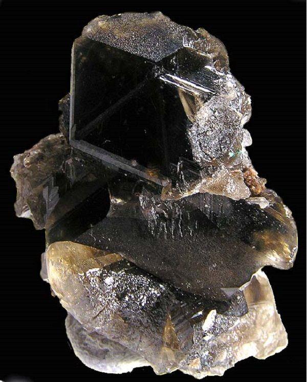 редкие камни, металл, фотография