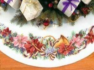 Процесс вышивки юбки Новогодие мелодии (Holiday Harmony Tree Skirt) от Dimensions. Ярмарка Мастеров - ручная работа, handmade.