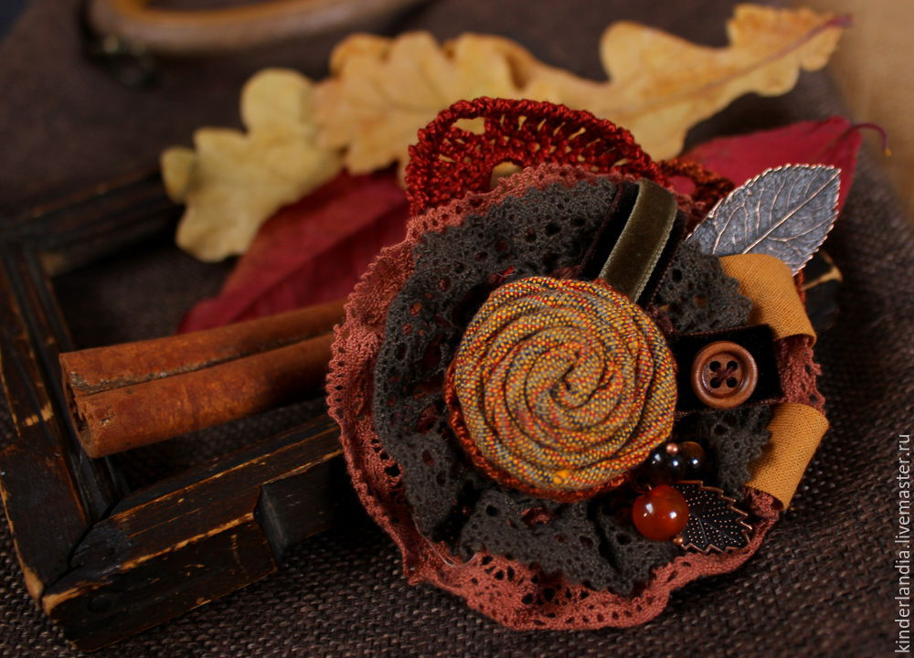 Symphony of Autumn Leaves: Creating a Textile Brooch, фото № 21
