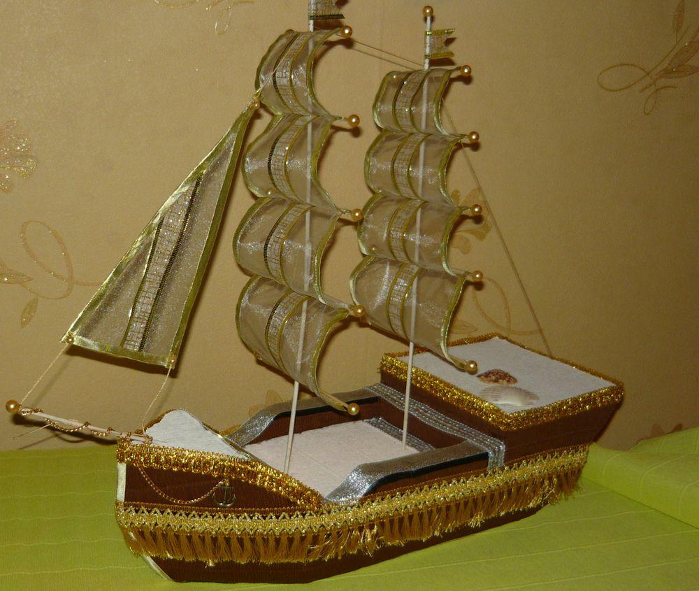 моряк, фигурка