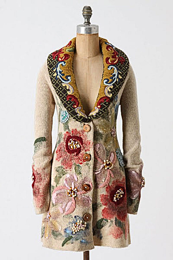 Пальто из шерсти с вышивкой