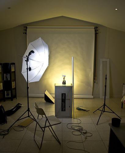 приверженцев как сделать свет для фотосессии дома этот раз