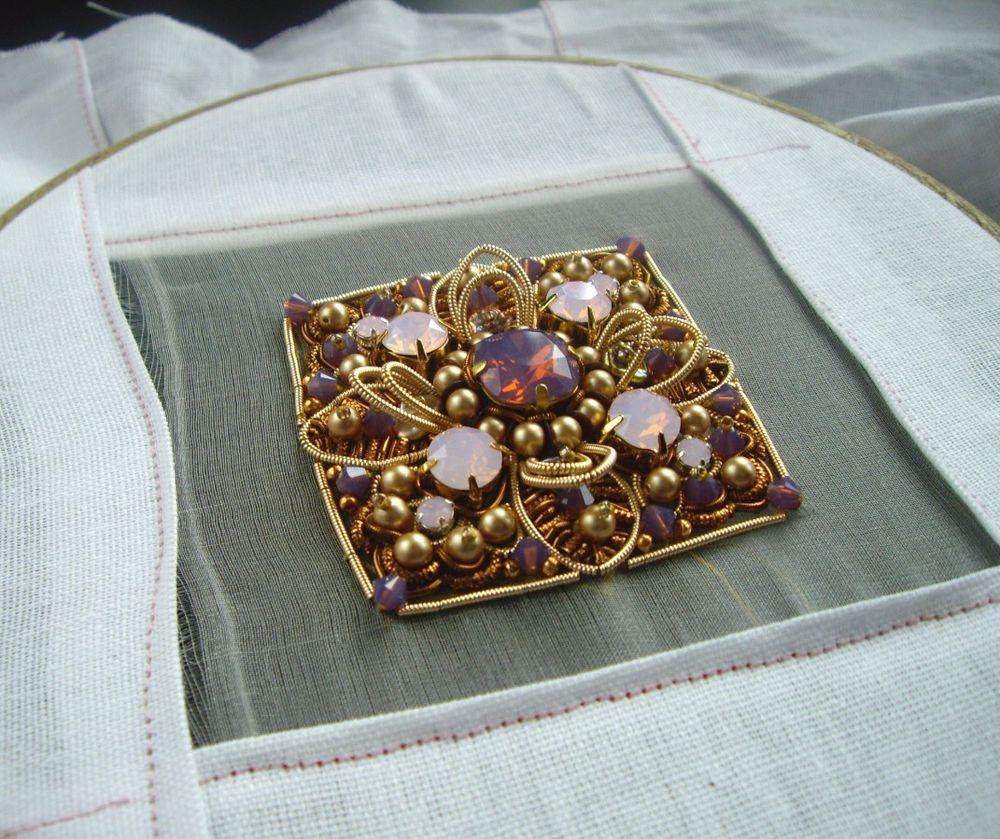 вышивка ручная, вышивка золотом, брошь ручной работы, подарок на любой случай, барокко