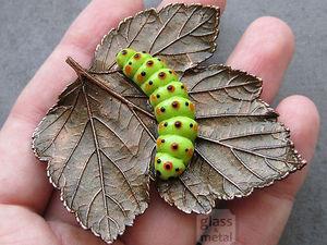 Брошь: Гусеница на листе | Ярмарка Мастеров - ручная работа, handmade