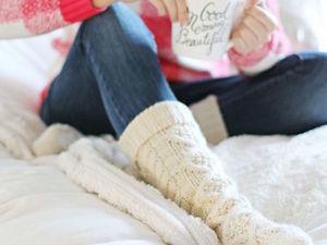 Вязаные носочки как часть образа. Ярмарка Мастеров - ручная работа, handmade.