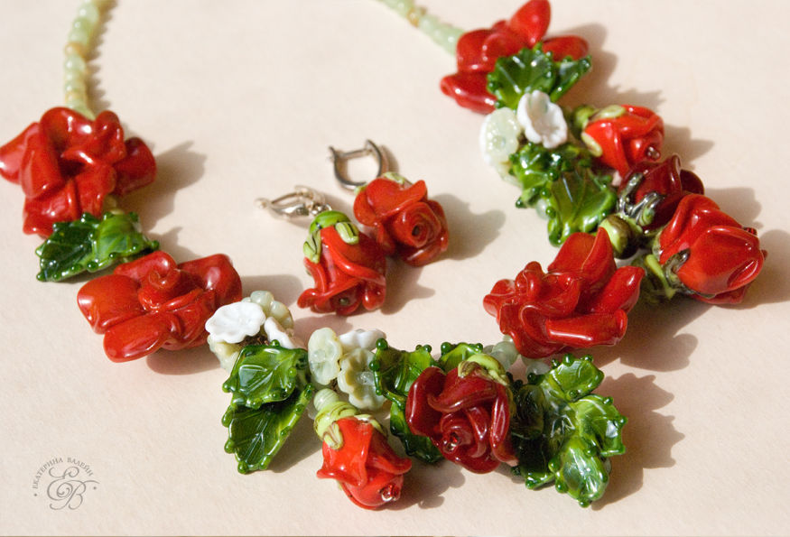 галерея, украшения из стекла, цветы из стекла, красные розы, оригинальные украшения, авторские украшения, подарок для девушки, яркие украшения, оригинальное украшение