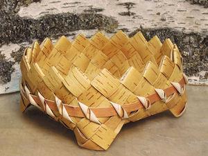 Плетем берестяную тарелку: вплетаем ножки и декорируем. Ярмарка Мастеров - ручная работа, handmade.