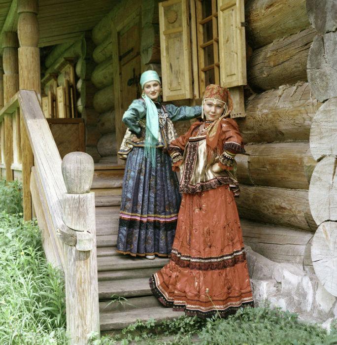 14 традиционных национальных костюмов разных народов, фото № 7
