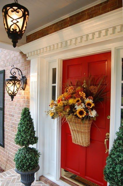 декор входной двери дома
