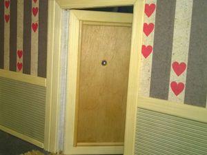 Видео мастер-класс: Открывающаяся дверь в кукольный домик. Ярмарка Мастеров - ручная работа, handmade.
