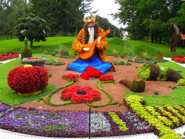 скульптуры из цветов