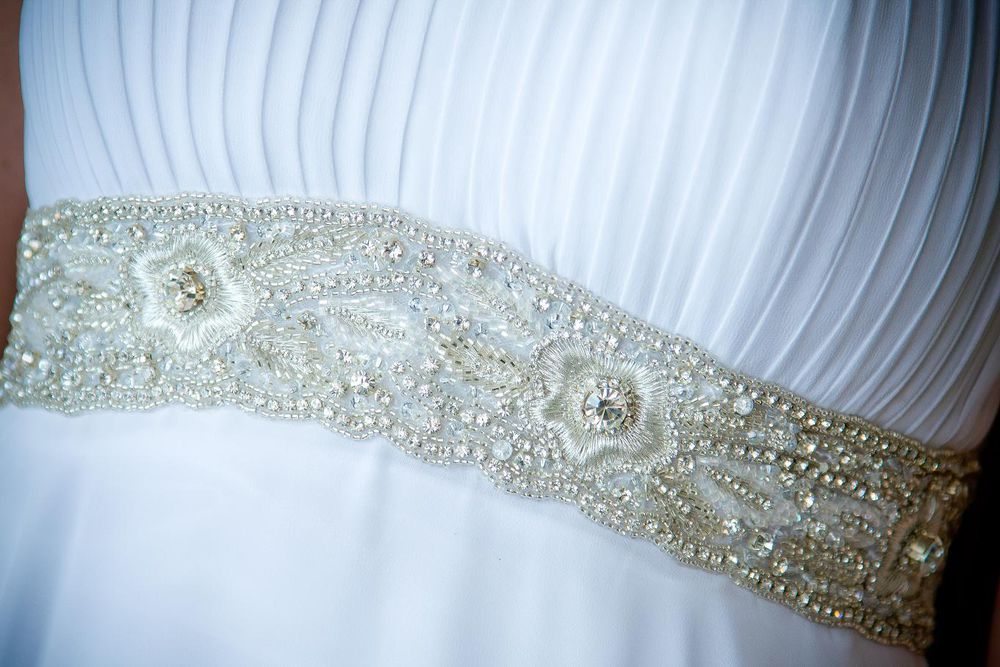 Вышивка на пояс свадебного платья