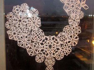 Украшение на окно «Петух из снежинок» | Ярмарка Мастеров - ручная работа, handmade