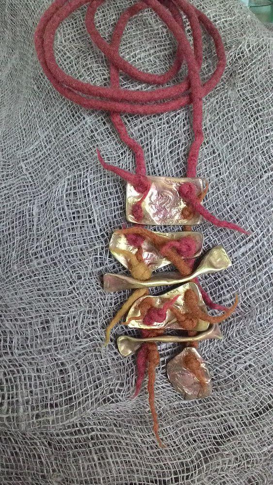 войлок украшение, войлок и металл, кулон, латунь, этническое украшение, ирина никифорова, ять
