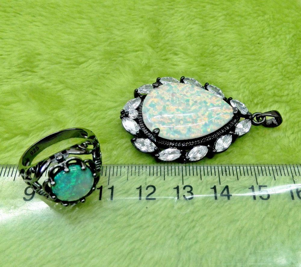 кольцо с опалом, кулон с горным хрусталем