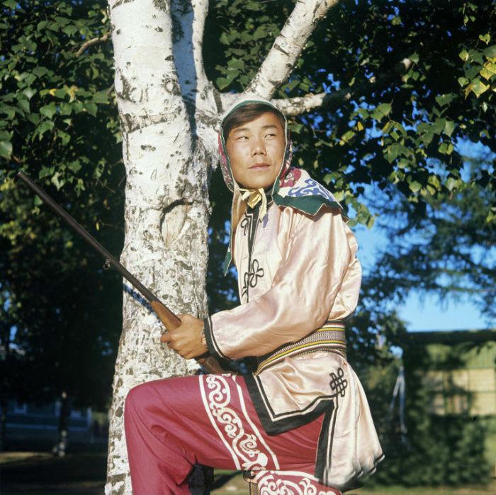 14 традиционных национальных костюмов разных народов, фото № 4