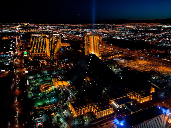Уличное освещение Лас-Вегаса питает энергия человеческих шагов | Ярмарка Мастеров - ручная работа, handmade