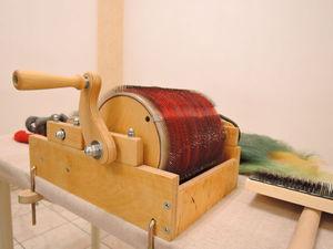 Как чесать шерсть и вискозу на барабанном кардере. МК с Надеждой Подзоровой | Ярмарка Мастеров - ручная работа, handmade